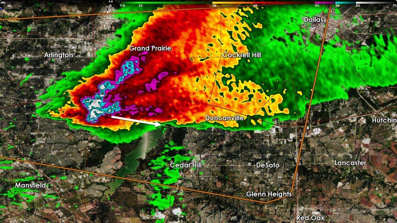 Damaging Hail moving into Joe Pool Lake and Duncanville