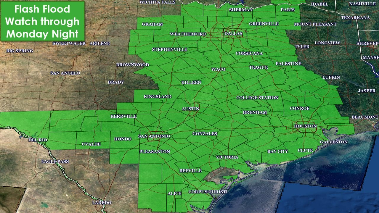 10 PM Texas Weather Update & Overnight Rain/Flood Forecast